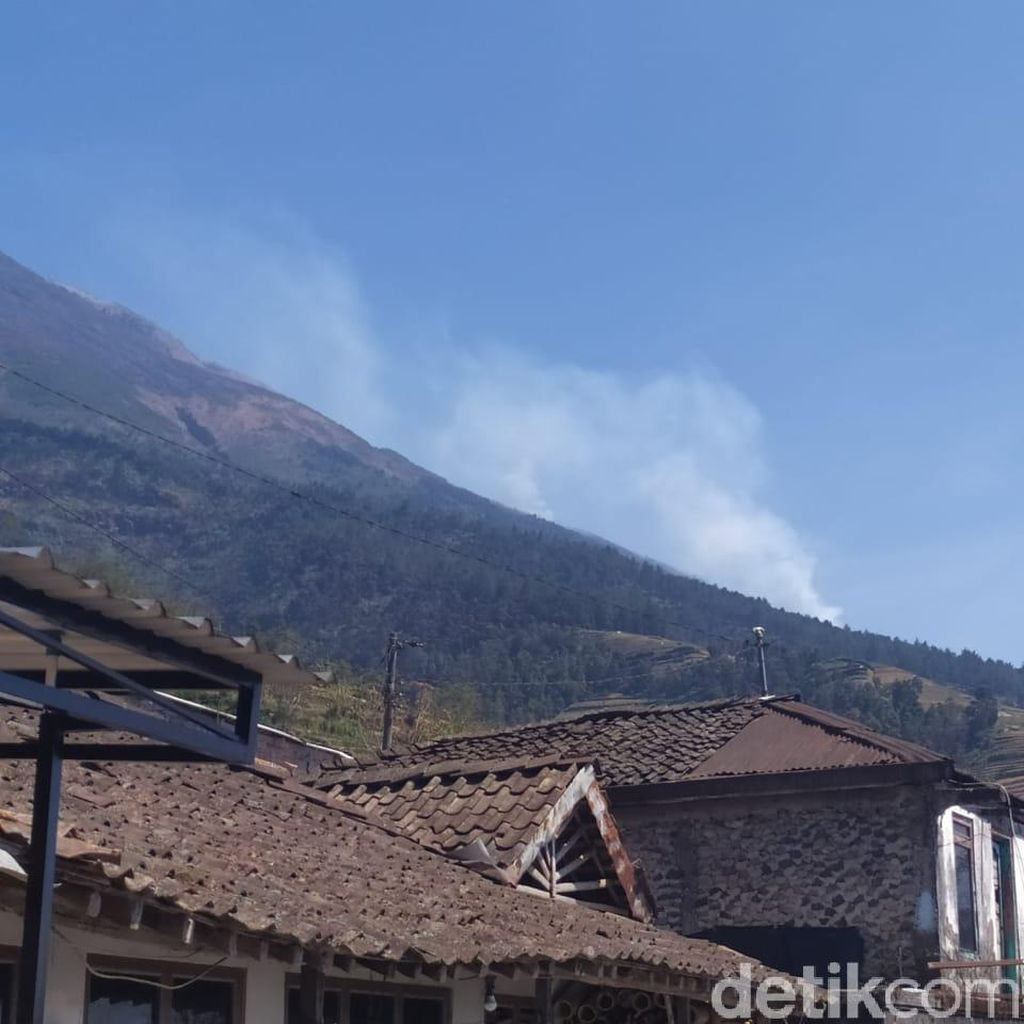 Asap Kebakaran Masih Terlihat, Pemadaman di Hutan Sumbing Dilanjutkan