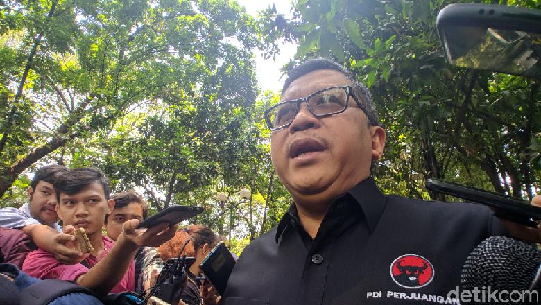 Projo Bubar, Sekjen PDIP Apresiasi Kerja Bantu Jokowi