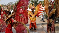 Penampakan sejumlah peserta yang tampil meriah dalam acara pawai kenduri budaya di Jakarta Utara.