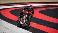 Ducati Streetfighter V4 dibekali mesin Desmosedici Stradale 1.103cc. Mesin itu bisa menghasilkan tenaga maksimal 208 dk pada 12.750 rpm dan torsi 123 Nm pada 11.500 rpm./Foto: Ducati