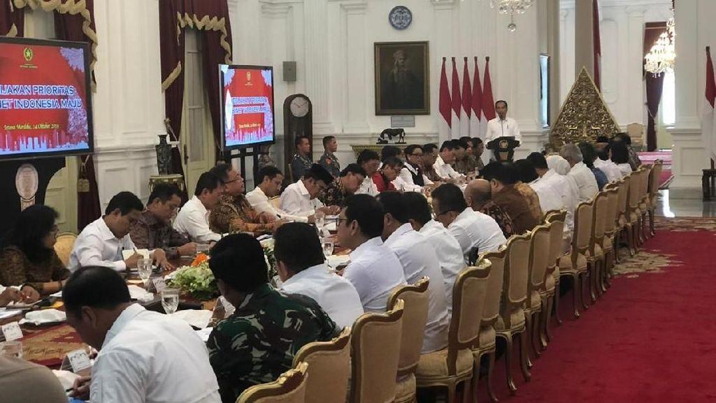 Jokowi Beri PR Menteri Baru Soal Regulasi yang Semrawut