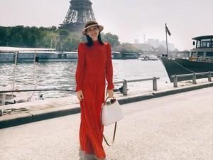 Kerja di Paris, Mantan Artis Dikomplain Karena Kirim Email Setelah Jam Kerja