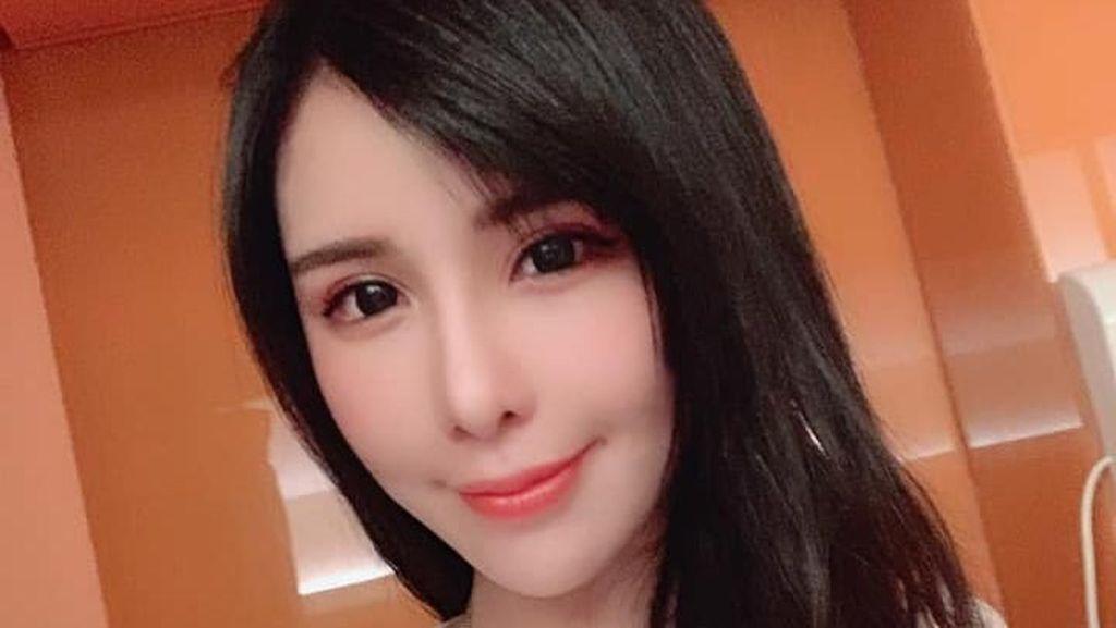 Foto: Model Cantik Dikritik, Marahi Pramugari karena Tak Boleh ke Toilet