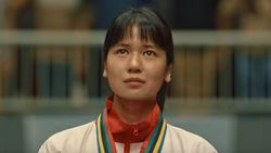 Emosi Laura Basuki Campur Aduk di Adegan Susi Susanti Menang Olimpiade