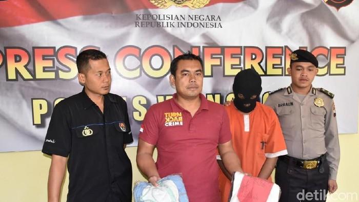 Jumpa pers kasus pencabulan di Polres Wonosobo. Foto: Uje Hartono/detikcom