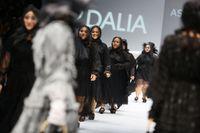 Cara Menyamarkan Paha Besar, Ikuti 5 Tips Fashion Ini