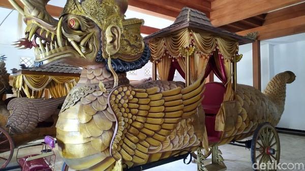 Museum Prabu Geusan Ulun ini dibuka untuk umum hari Selasa - Kamis dan Sabtu - Minggu mulai pukul 08.00 WIB hingga 14.00 WIB. Setiap hari Senin dan Jumat tidak beroperasi (Mukhlis/detikcom)