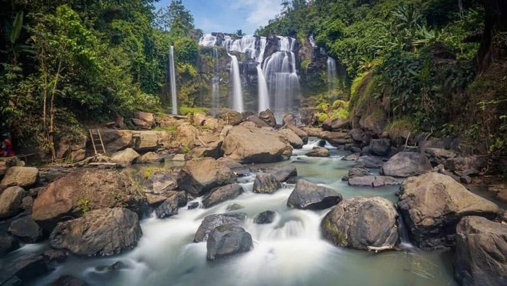 Lampung Ternyata Punya Air Terjun Seindah Ini