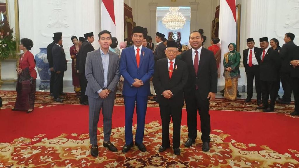 Saat Putra Jokowi Pamer Foto Bareng Putra Prabowo