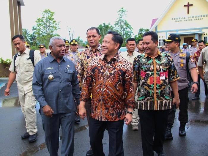 Mendagri Tito Karnavian mengunjungi Papua. (Dok. Kemendagri)