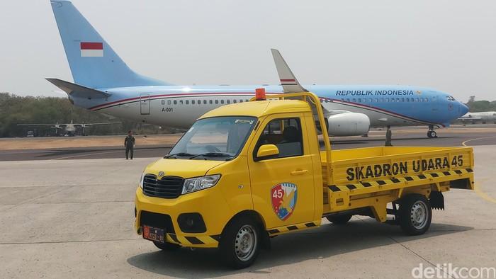 TNI AU pakai mobil Esemka (Farih/detikcom)