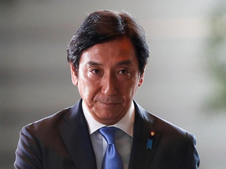 Menteri Perdagangan Jepang Mundur karena Skandal Donasi Melon