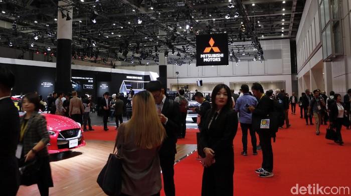 Pameran otomotif Tokyo Motor Show kembali digelar. Mobil super hingga kendaraan listrik bertaburan di pameran tersebut. Penasaran?