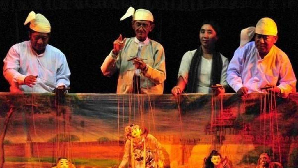 Myanmar juga Identik dengan Pertunjukan Marionette