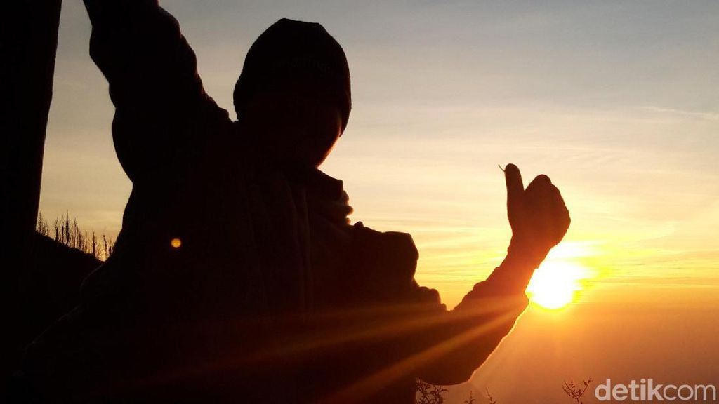 Uji Coba Jaringan di Gunung Bromo, Sinyal Smartfren Penuh