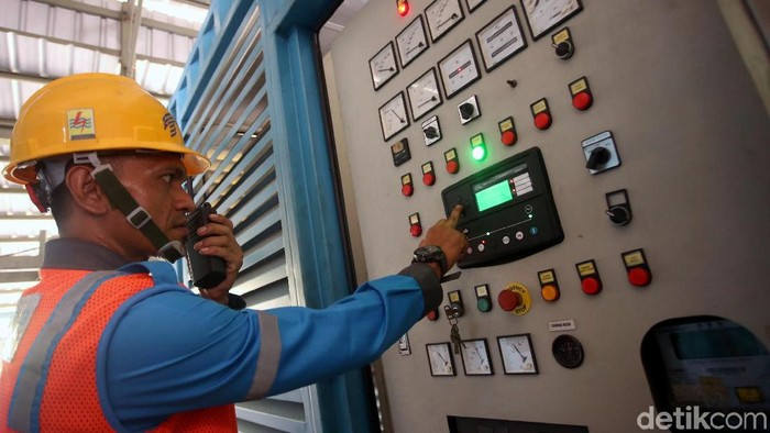 PLTD Ranai merupakan salah satu pembangkit listrik yang berada di wilayah Pulau Terdepan Indonesia, Pulau Natuna. Yuk, lihat perawatan PLTD Ranai.