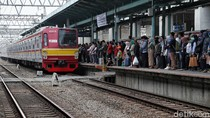 3 Rute KRL Disetop Sementara, Begini Suasana Stasiun Manggarai