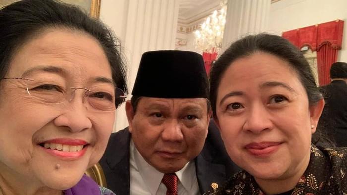Puan dan Megawati swafoto bersama Prabowo