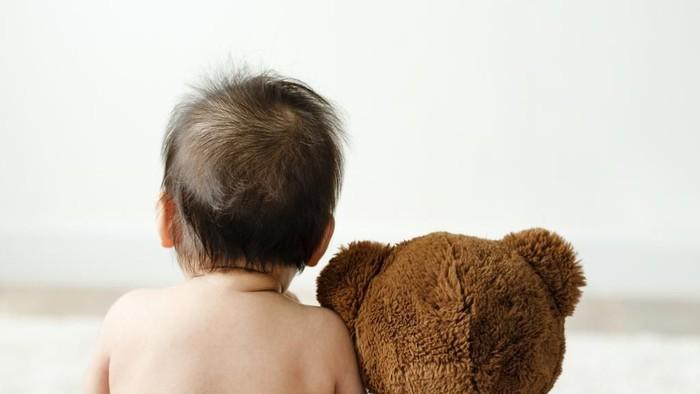 Seorang bayi bibirnya membiru dan meninggal karena usus terlipat. Foto ilustrasi: iStock