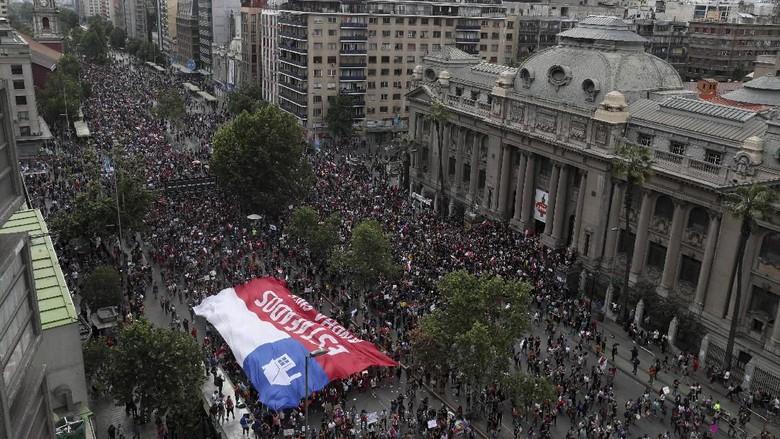 Aksi Protes Kian Bergejolak, Presiden Chile Merombak Kabinetnya