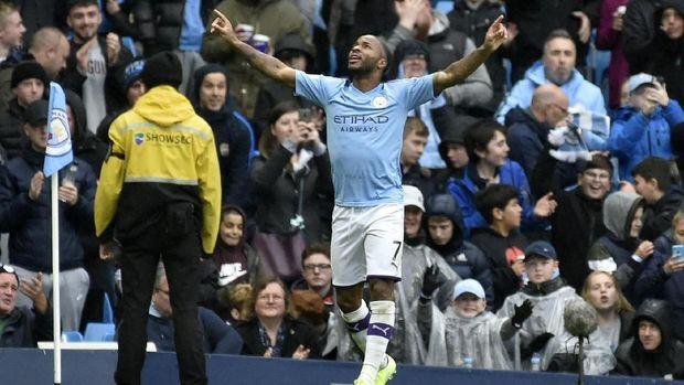 Raheem Sterling makin menunjukkan kualitasnya sebagai mesin gol di Manchester City.