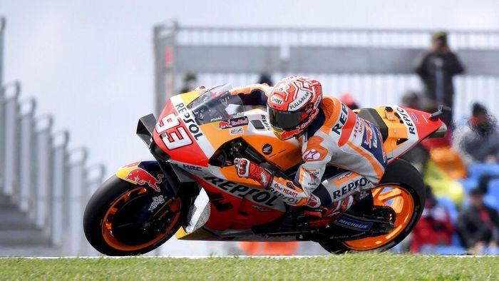 Marc Marquez ingin perbaikan di motornya untuk MotoGP 2020. (Foto: Andy Brownbill / AP Photo)