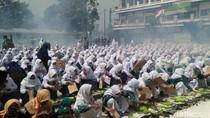 Ribuan Terong Dibakar dan Liwetan Akbar Santri Lamongan Raih Rekor MURI