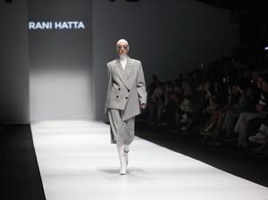 Rani Hatta Tampilkan Baju Hijab Perpaduan Feminin dan Maskulin yang Sporty