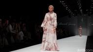 Cantiknya Maudy Koesnaedi Hingga Selebgram Mega Iskanti Jadi Model di JFW