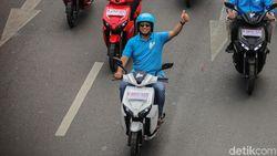 Tok! Kendaraan Listrik di DKI Jakarta Bebas Pajak Bea Balik Nama