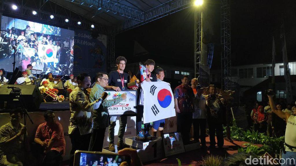 Penutupan Kejuaraan Paralayang Internasional Dimeriahkan Gubernur Jabar