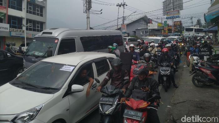 Uji coba sistem 2-1 Puncak, Bogor. (Sachril Agustin Berutu/detikcom)