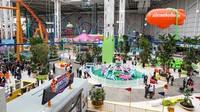 Dibuka Jumat lalu, mall ini baru membuka fasilitas Taman Bermain Nickelodeon dan arena selancar es saja. Adam Jeffery/CNBC.