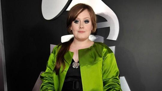 Transformasi Adele yang Lebih Ramping di Usia 32 Tahun