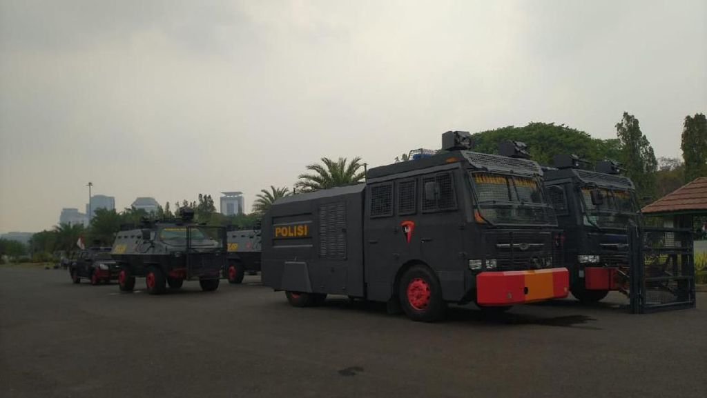 Jelang Aksi Mahasiswa, Water Cannon-Barracuda Disiagakan di Sekitar Istana