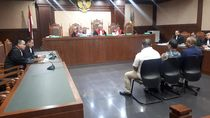 Pengusaha Afung Didakwa Suap Eks Anggota DPR Nyoman Dhamantra Rp 3,5 M