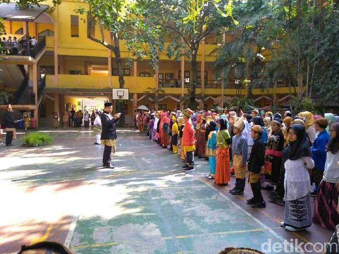 Pelajar MIN 1 Malang upacara sumpah pemuda (Foto: Istimewa)