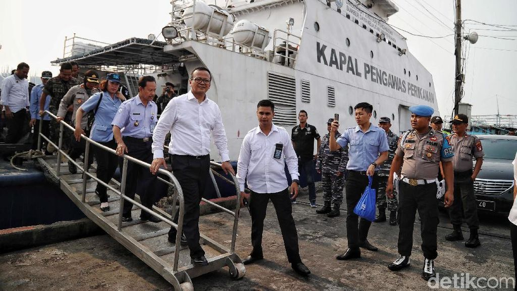 Momen Blusukan Edhy Prabowo ke Muara Baru