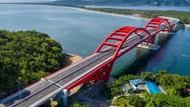 Merah Merona Jembatan Youtefa di Papua yang Diresmikan Jokowi