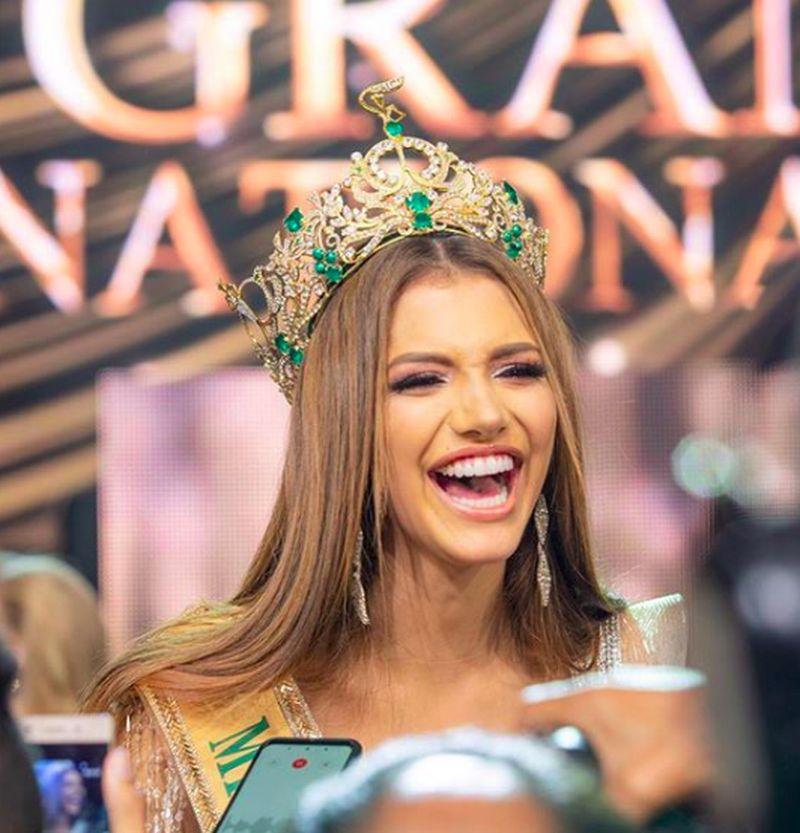 Valentina Figuera berhasil meemnangkan Miss Grand International 2019. Perempuan yang berporfesi sebagai model ini mengalahkan kontestan dan beragam negara (valentinafiguerm/Instagram)