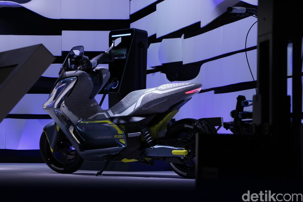 Yamaha memperkenalkan motor listrik Yamaha EC-01 di Tokyo Motor Show, bulan Oktober ini.