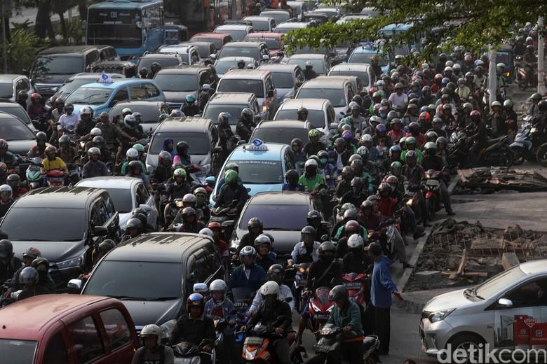 Kemacetan di Jakarta. Foto: Pradita Utama