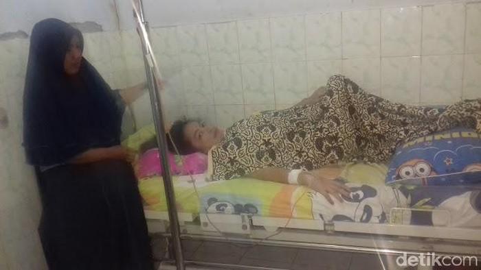 Foto: Tukang Gorengan di Dompu NTB Butuh Biaya Operasi Kanker Payudara (Faruk-detikcom)