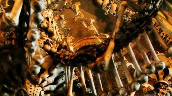 Sedlec Ossuary, demikian nama kapel yang terletak di Sedlec, Republik Ceko ini. Salah satu julukannyaadalah Bone Church (iStock)