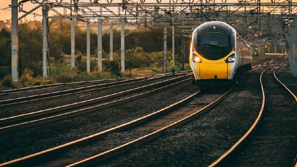 Paksa Pedagang Lompat dari Kereta di Mesir, Petugas Tiket Ditahan