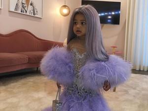 Gemas! Stormi Tiru Gaya Kylie Jenner di MET Gala Buat Halloween