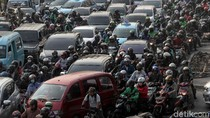 Ada Kecelakaan Minibus di Tol Jakarta-Tangerang, Lalin Macet 9 Km
