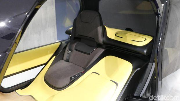 Mobil Listrik Mungil Toyota buat yang Ngantor