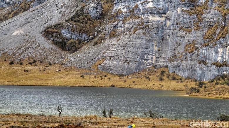 Danau di Pegunungan Jayawijaya
