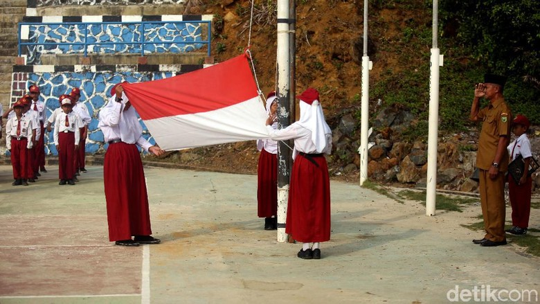 57 Gambar Anak Sd Upacara Bendera Terbaik